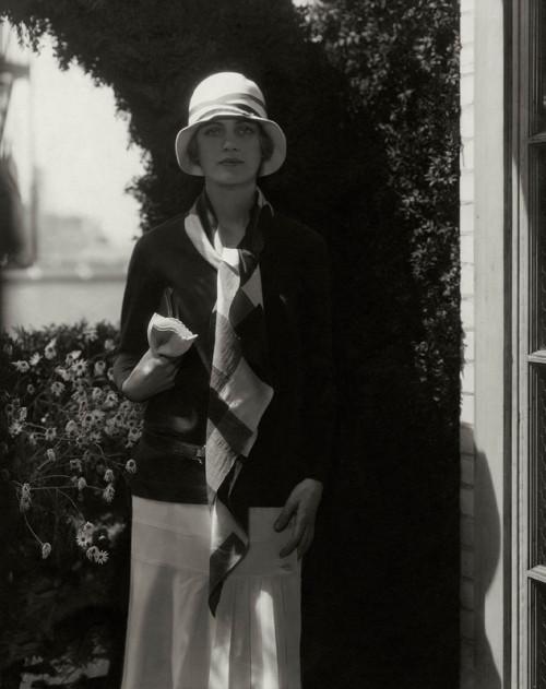gal-j_steichen_lee_miller_1928numero-magazine-exposition-coco-chanel-palais-galliera-octobre-2021-luxe-mode
